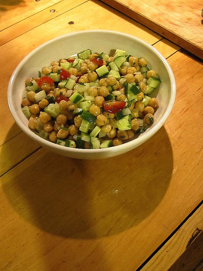 Garbanzo_salad