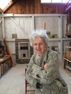 Lois Dodd at her studio in Maine, fall 2014 (© Alexandre Gallery, New York)